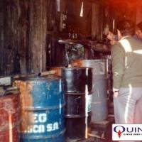 Destilaria de Óleo Essencial de Sassafrás em Santa Catarina. Foto tirada em 1985 por José Azambuja, da QUINARÍ, durante suas visitas às fábricas de óleo do Vale do Itajaí.